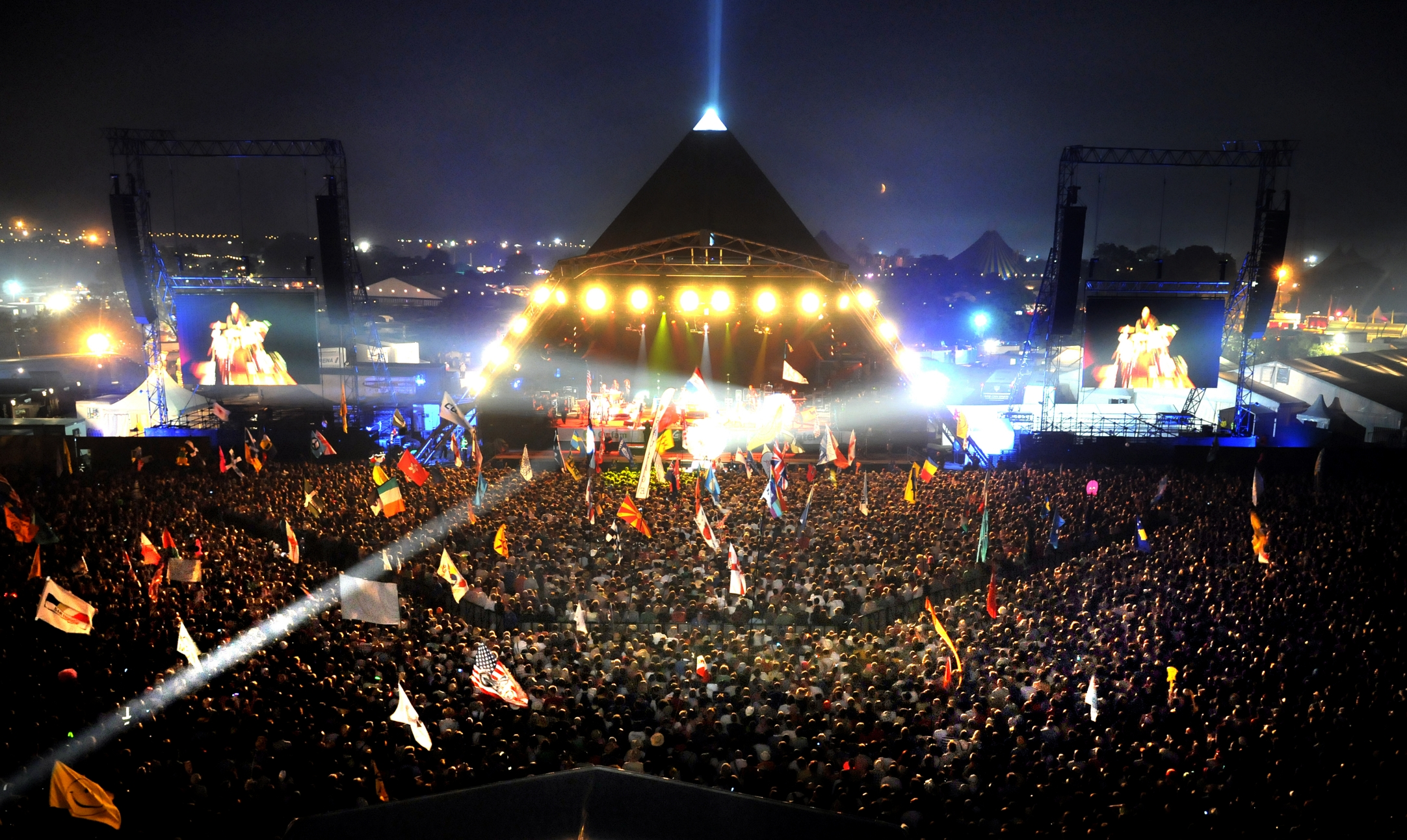LEDs and Sustainable Ethos Light Up Glastonbury Once More