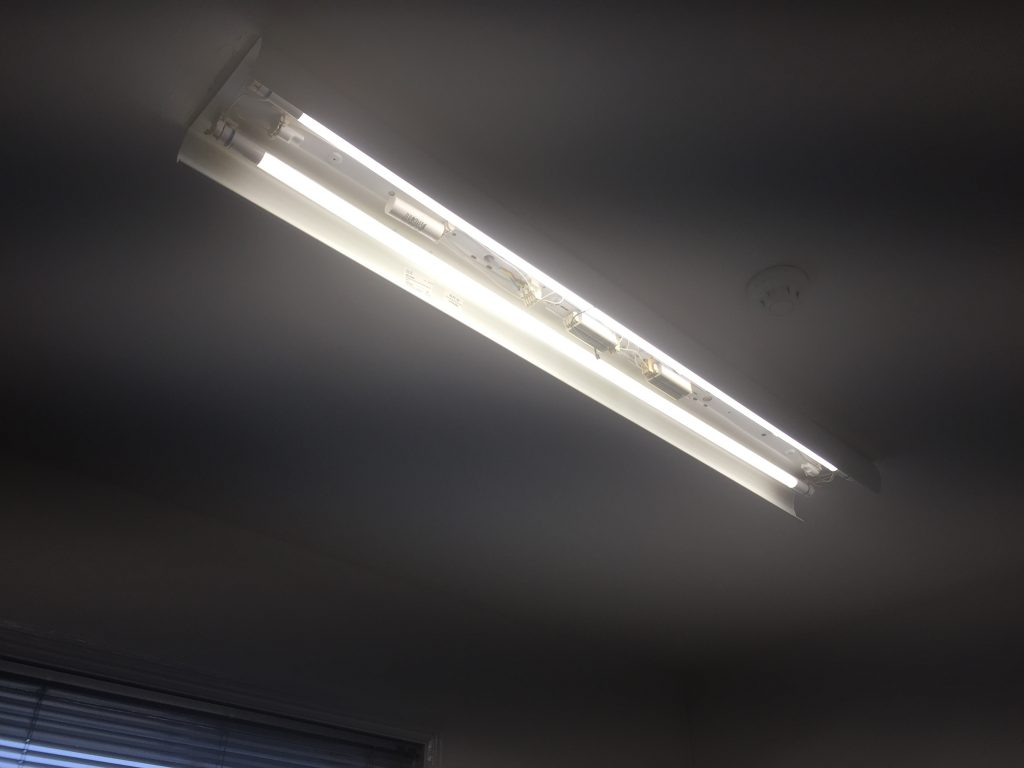 Installation of the office lighting with Philips Master LED Tube installed